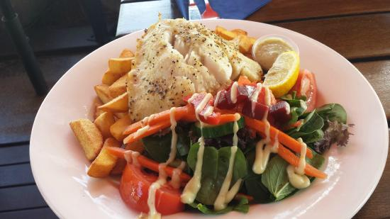 Fish Bar: Barra with salad and chips