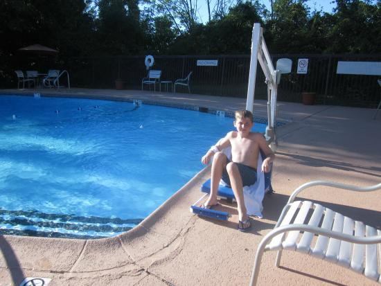 Fairfield Inn Albany East Greenbush : outdoor pool at hotel
