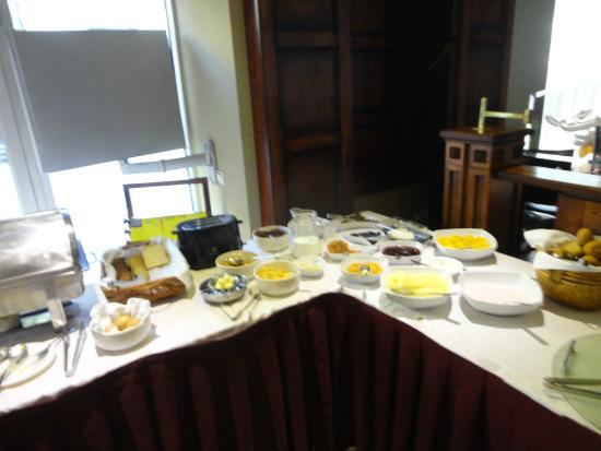Best Baltic Kaunas Hotel: Una parte del buffet della colazione