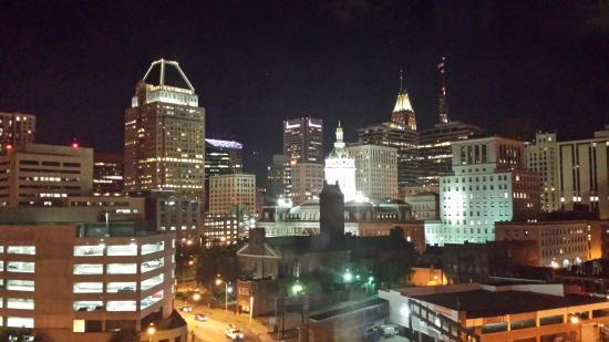 Holiday Inn Express Baltimore-Downtown: The view from my 5th Floor room.
