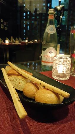 Jojo at The St. Regis Bangkok: Bread basket