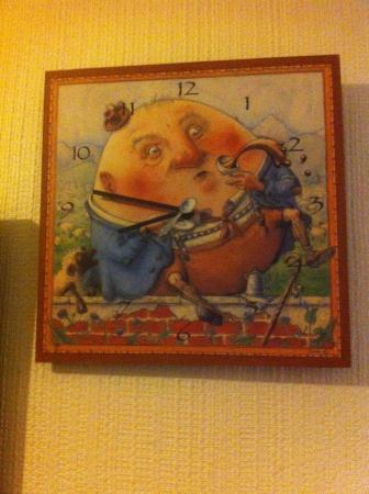 Colliers Hall: Horloge Humpty Dumpty !