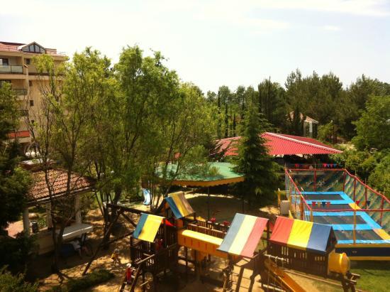 Vardane, Russland: детская площадка