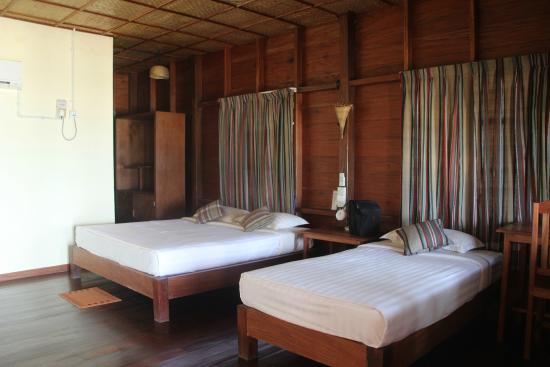 Beachfront wooden bungalow - intérieur - Picture of Lin Thar Oo ...