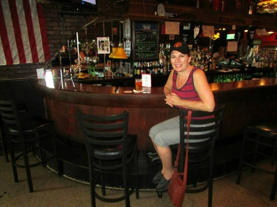 Steiny's Pub: Burger and beer for lunch!