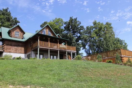 Adamsville, OH: KD Guest Ranch
