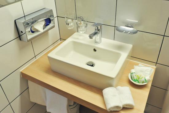 Hôtel des Alpes: Salle de bain