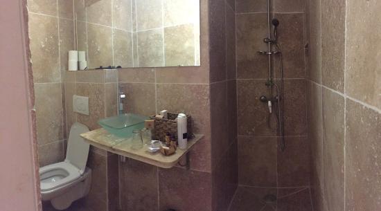 Dusche Ohne Kabine : Bad mit Dusche ohne Kabine oder Vorhang: fotograf?a de Avignon Hotel