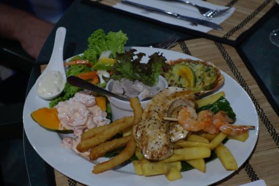 Arorangi, جزر كوك: Seafood plate