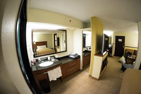 Hyatt Place Charlotte Airport/Lake Pointe : double bed room