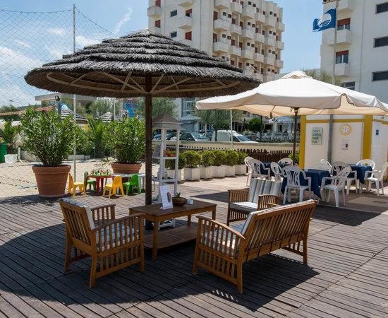 Bella vacanza recensioni su hotel universal senigallia tripadvisor - Hotel con piscina senigallia ...