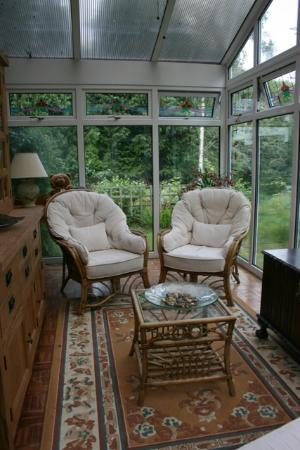Afon Rhaiadr Bed and Breakfast: Conservatory