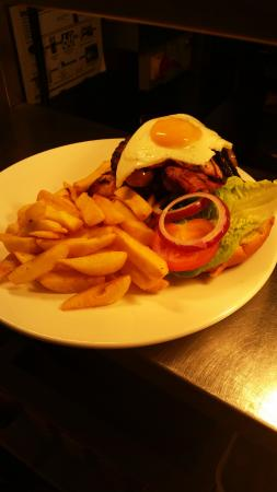 The Haywain: Mixed Grill Buger
