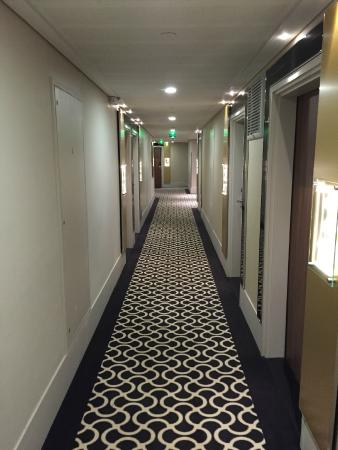 The room picture of ac hotel by marriott paris porte maillot paris tripadvisor - Porte maillot paris hotel ...