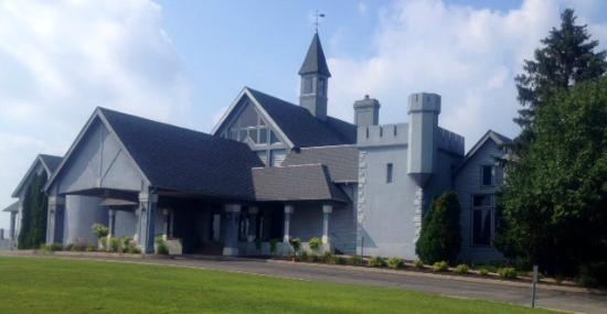 Winona Lake, IN: Stonehenge Golf Club - club house