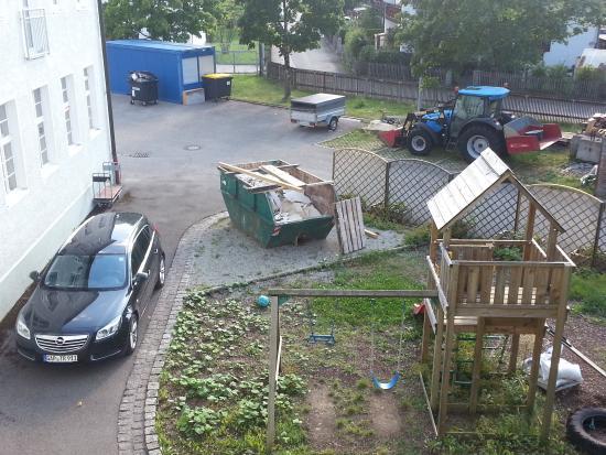 Alte Postvilla : area bimbi, in stato di abbandono