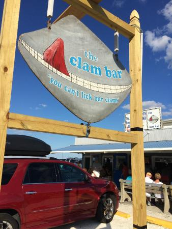 Smitty's Clam Bar: Smitty's Sign