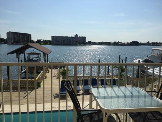 Enchanted Inn & Beachside Cottages : Our view from our room