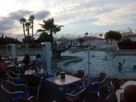bar piscina lago jardin 1 torrevieja restaurant reviews