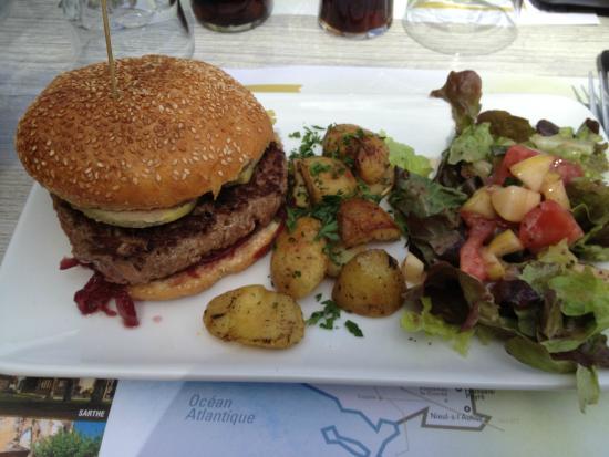 Le Bistroglo: Burger charolais au foie gras