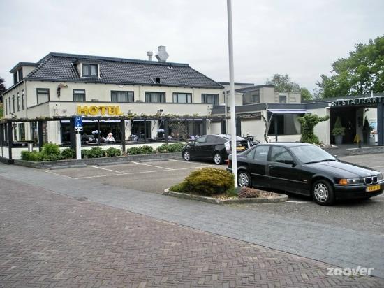 반 데어 발크 호텔 하르데가리지프 - 레우바르덴