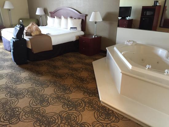 room with jacuzzi tub picture of best western elko inn elko rh tripadvisor com