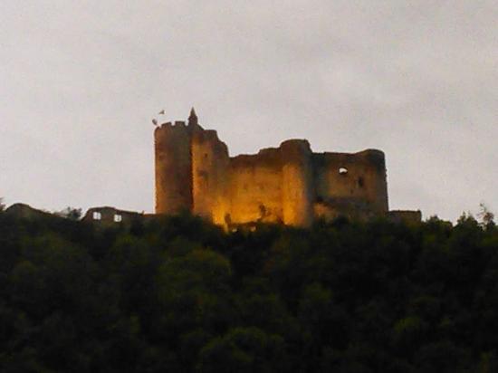 Le Belle Rive Hotel: Vue du château