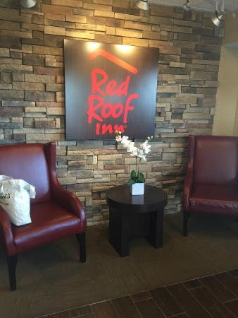 Red Roof Inn Chicago-Downers Grove: Lobby