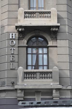 Hotel Paris Londres: Janela do quarto
