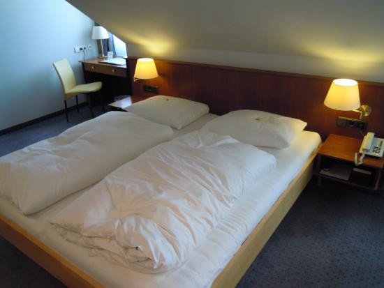 Hotel Erikson: double vibrating bed