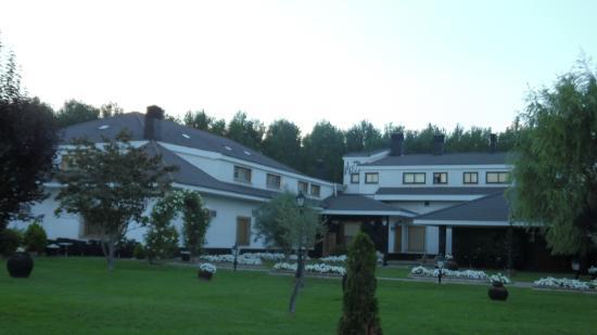 Hotel Conde Rodrigo II: Vista exterior