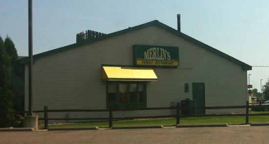 Merlin's Family Restaurant: Outside