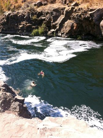 Crooked River Ranch, OR: DEEP, cold waters