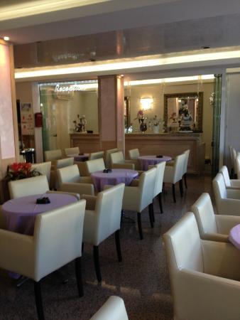 Hotel Azzurra: sala bar-reception