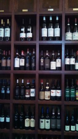 Oak Steakhouse: Wine lockers