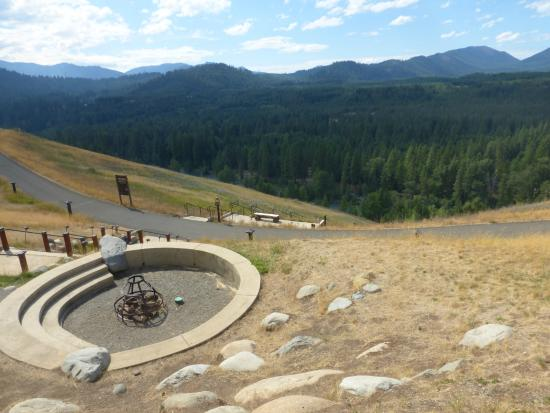 Suncadia Resort: Campfire with a view!