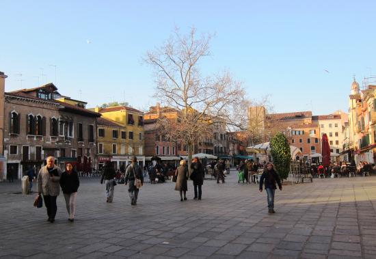 Il Caffe (aka Caffe Rosso): Campo Santa Margherita