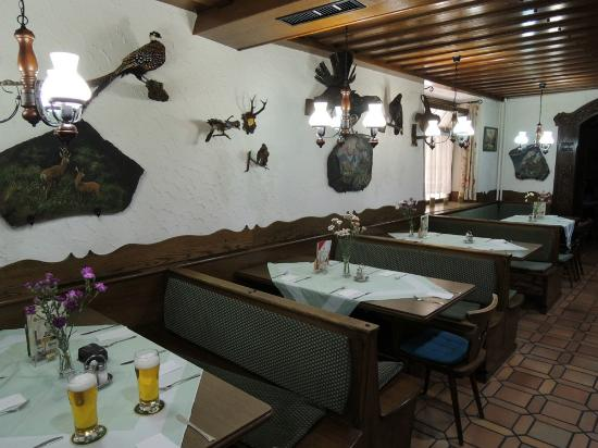 Gasthof zum Jaegerwirt: Eetzaal