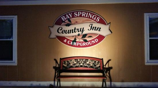 Bay Springs Country Inn & Campground: Welcome to Bay Springs Country Inn