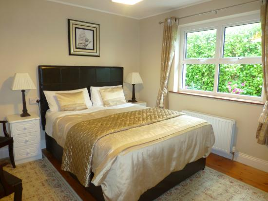Milltown, Irlandia: Short Cliff House Bedroom Matress and linen 5*