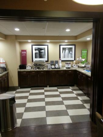 Hampton Inn Salt Lake City - North: Breakfast awaits.