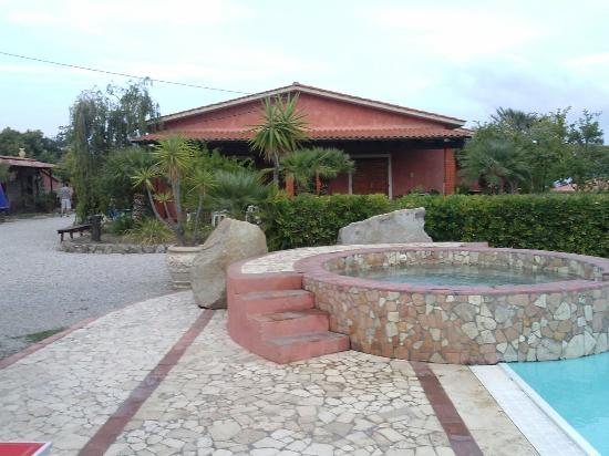 Residence con piscina bild fr n residence melograno - Residence marzamemi con piscina ...