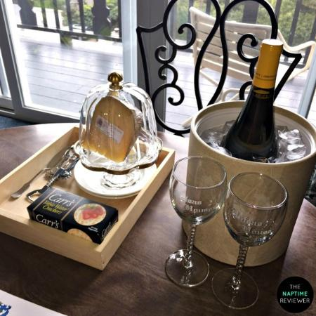 Hofsas House Hotel: Wine and Cheese