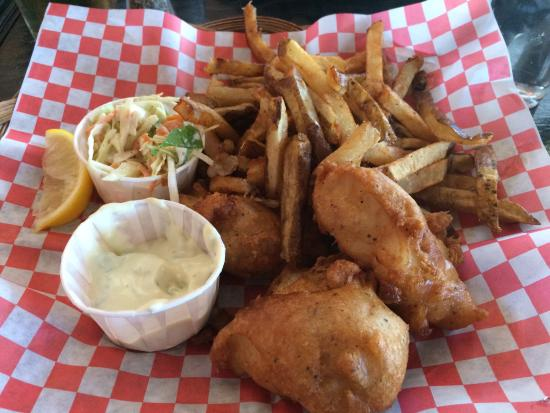 20160626 173626 picture of bistro de la baie for Eds fish and chips