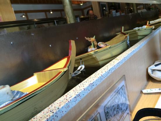 Floating Sushi Boat: photo0.jpg