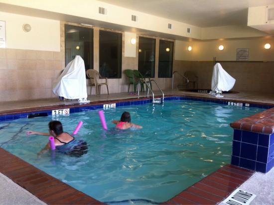 Rodeway Inn & Suites: photo0.jpg