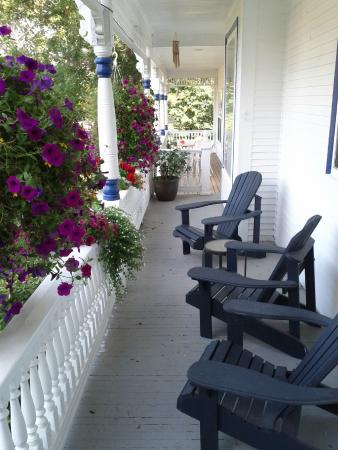 Centreville, แคนาดา: Front porch