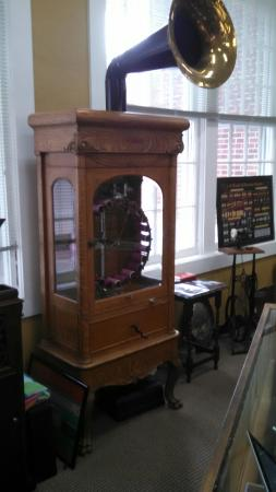 Edison Phonograph Museum: The history is so close you can her it!