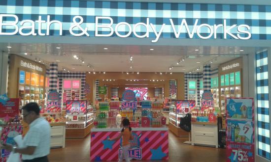 81ef8ba56 Tienda - Picture of Miami International Mall