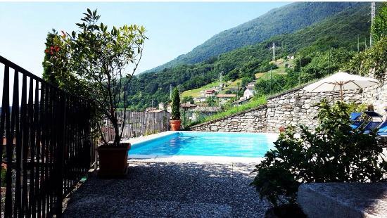 Musso, Italia: Interni,piscina,vista